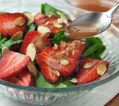 Strawberry-Spinach Salad with Champagne Dressing