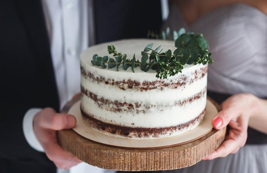 20 Tips For Buying The Perfect Wedding Cake