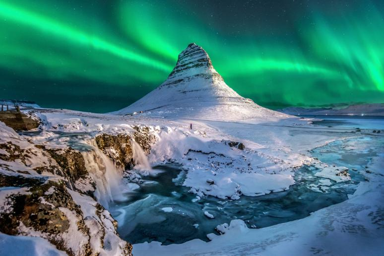 6. Iceland – 82.9 years