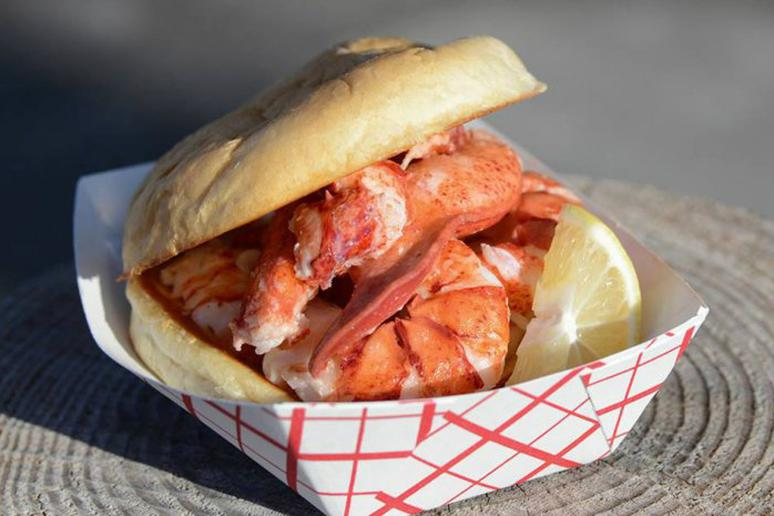 The Clam Shack, Kennebunkport, Maine: Lobster Roll