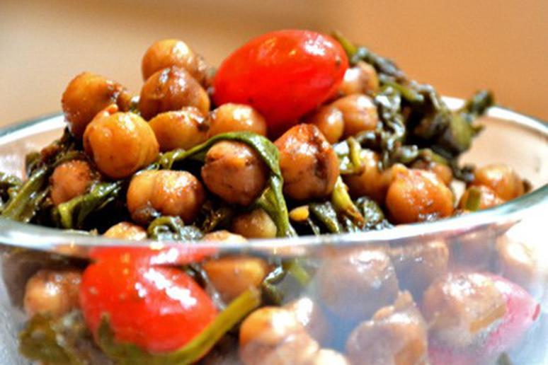 Curried Chickpeas and Spinach with Sweet Tomatoes