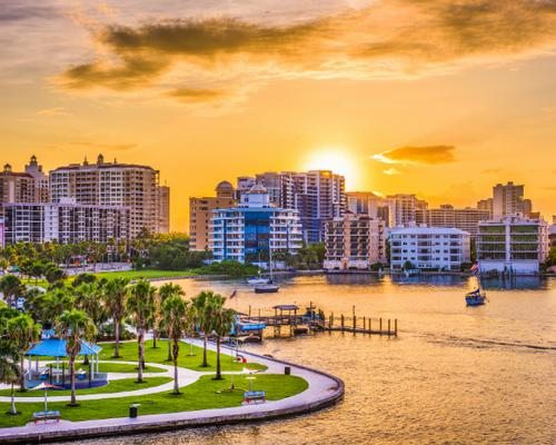 24 American Cities Best Seen From the Water
