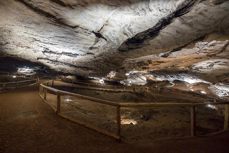 Tennessee – Try spelunking