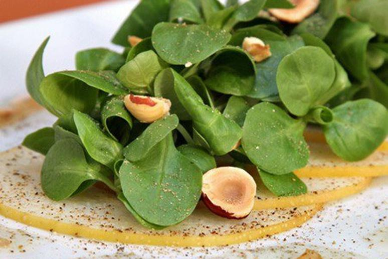 Mâche and Asian Pear Salad with Hazelnuts