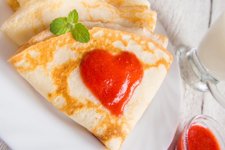 Crêpes With Strawberry Compote