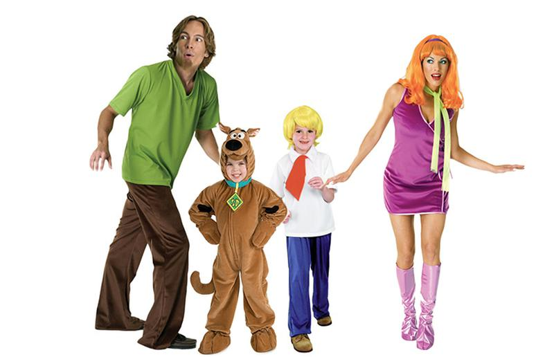 Halloween Ideas 2019 For Family Of 3.The 15 Best Family Halloween Costumes