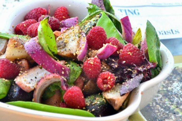 Sweet and Spicy Raspberry Salad with Honey Vinaigrette