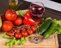 Red wine and vegetables