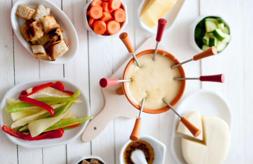 How To Throw The Ultimate 70s Fondue Party