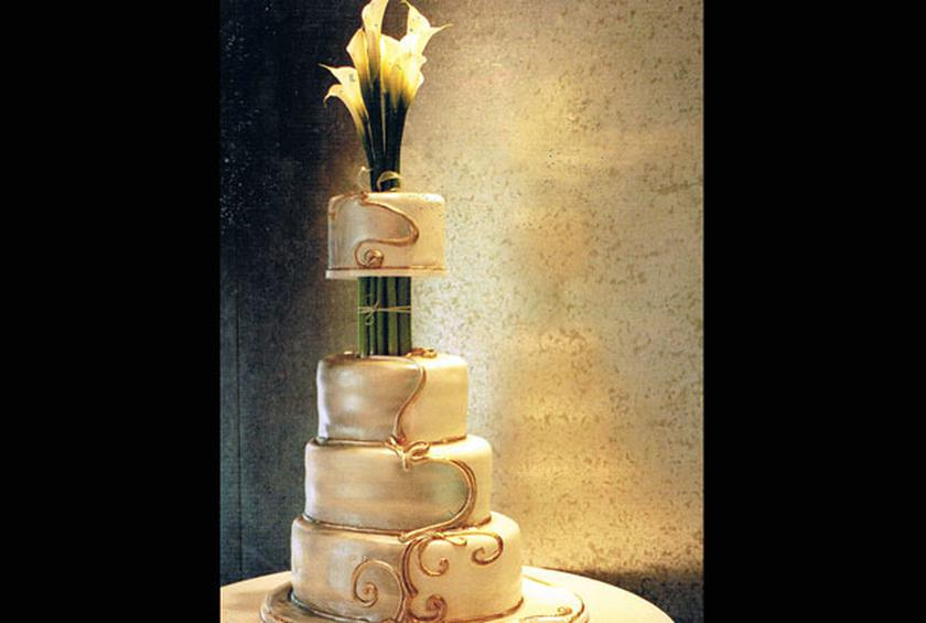 8. Vase Cake from 10 More Unusual Wedding Cakes Slideshow - The ...