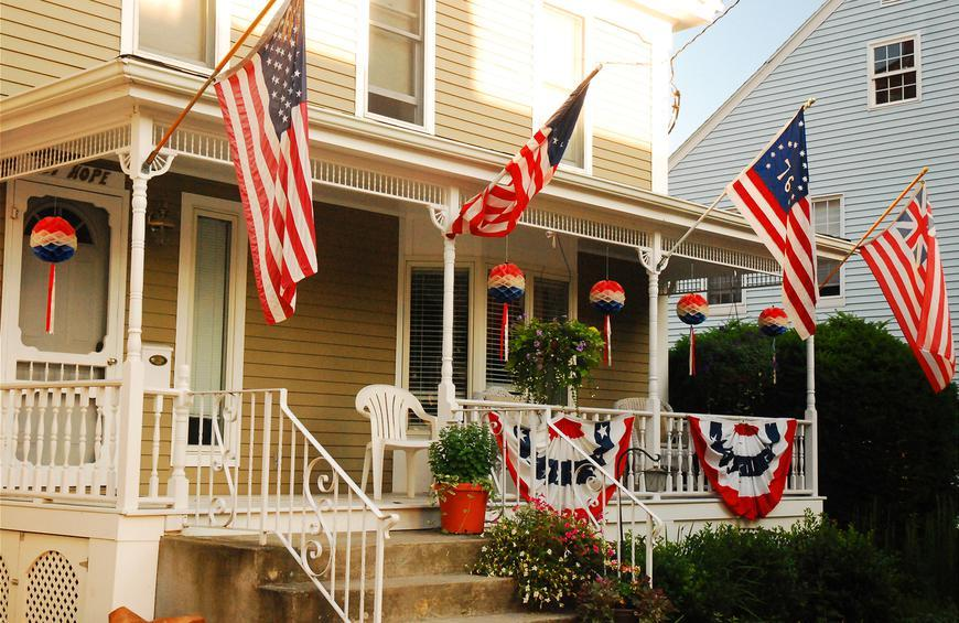 10 Houses Decorated For The Fourth Of July Slideshow The Active Times