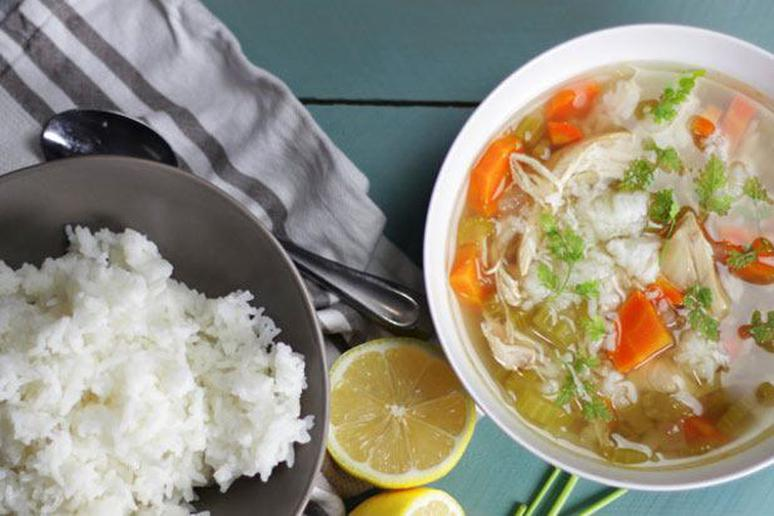 Slow Cooker Lemon and Chicken Rice Soup