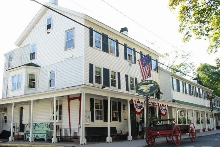 Connecticut: The Griswold Inn (Essex)