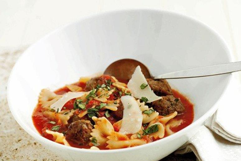 Pasta and Meatball Soup
