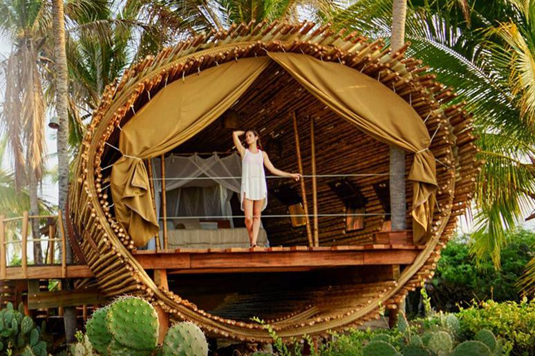World S Epic Tree Houses You Can Actually Stay In
