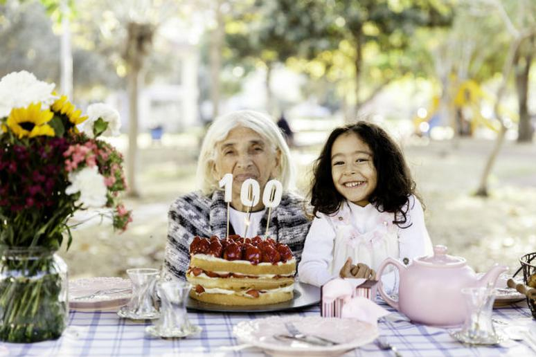 How to Live to 100, According to Science