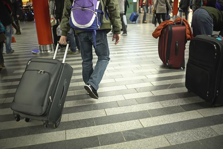 25 Tips to Make Thanksgiving Travel a Real Breeze