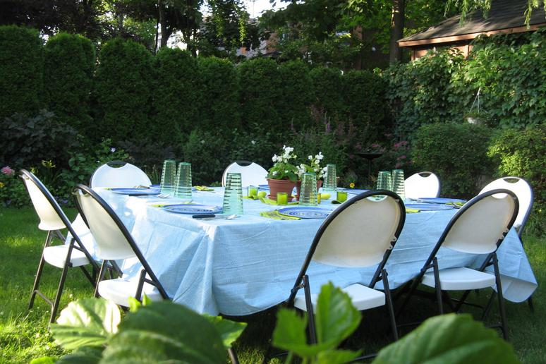 Dine Outdoors