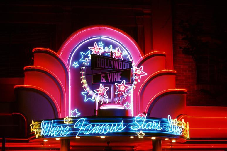 Minnie's Holiday Dine at Hollywood & Vine