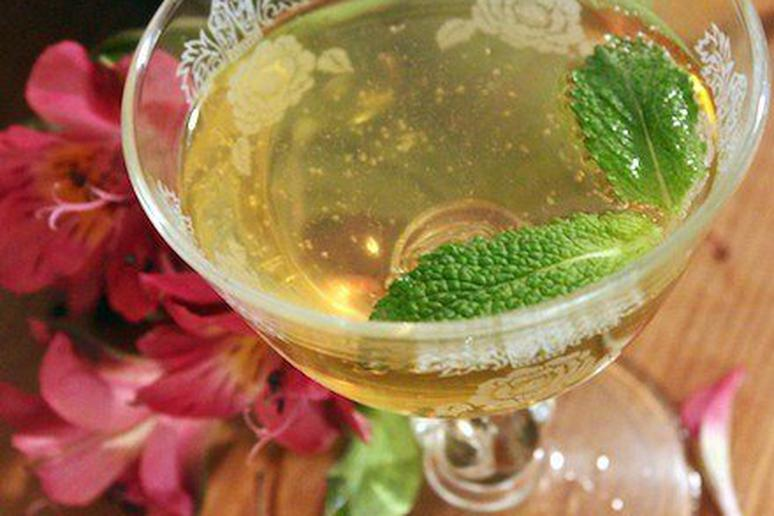 Ginger Bee Cocktail Recipe