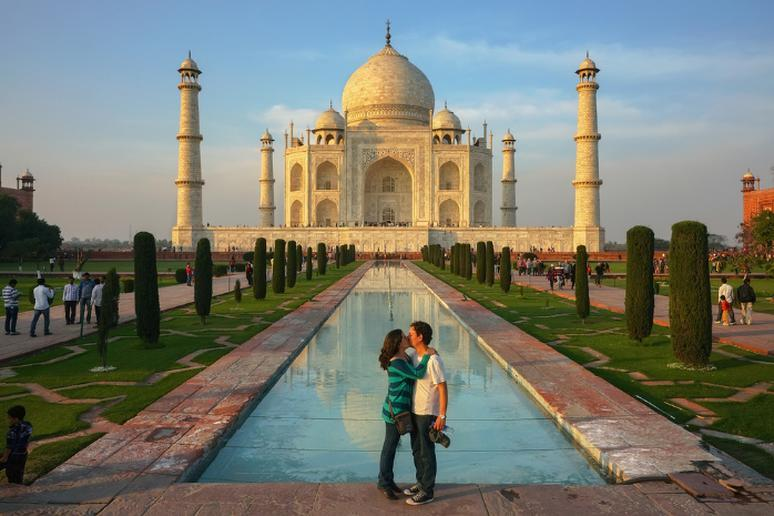 Don't kiss in public in India
